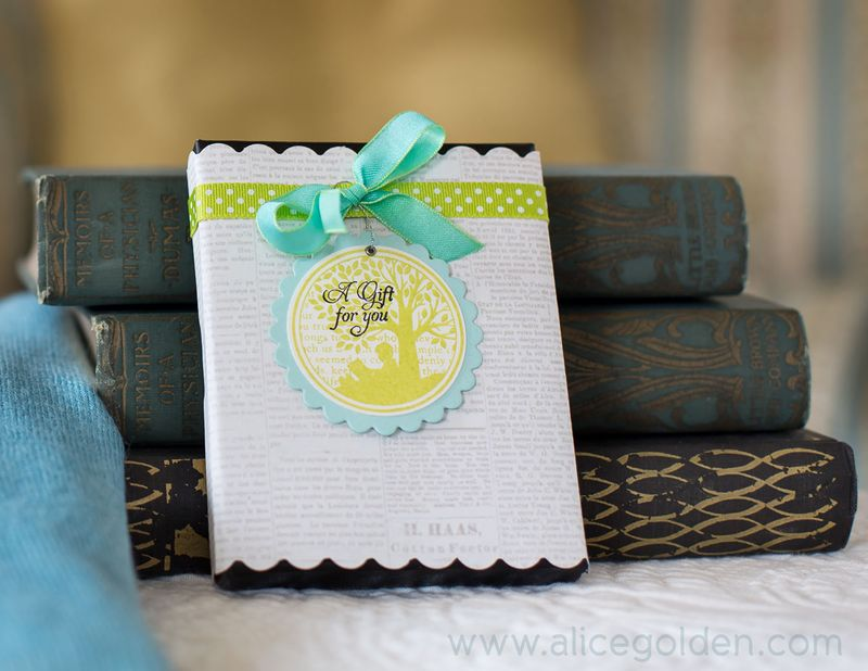 Alice-Golden-Book-Lovers-Gift-Set-2