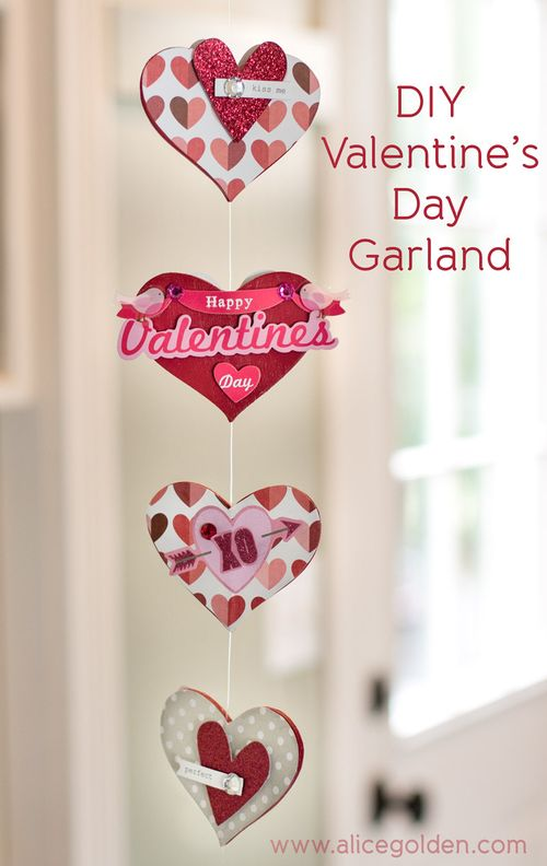 Alice-Golden-Mambi-Valentine's-Day-Garland-1
