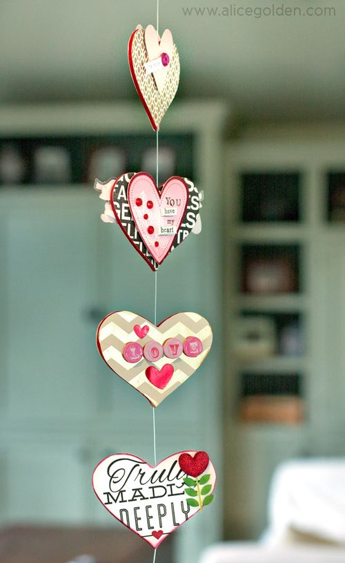 Alice-Golden-Mambi-Valentine's-Day-Garland-5