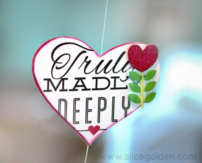 Alice-Golden-Mambi-Valentine's-Day-Garland-9
